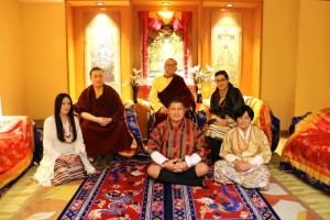 news-karmapa-official-families-1620x1080-700x467